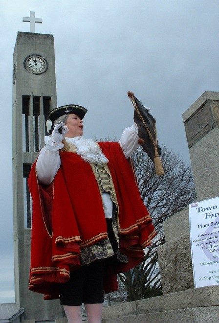 NZ's top Town Crier is 'local' Caroline Robinson, Palmerston North city, Manawatu, New Zealand - 14 July 2001